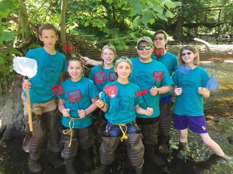 Photo of Wallenpaupack High School Environmental Club students sampling for rusty crayfish.